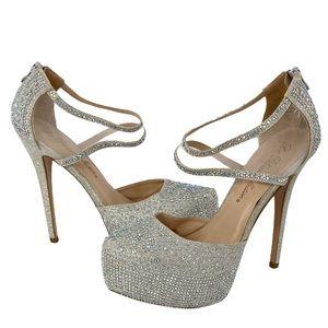 $200 Retail Heels size 9 women's